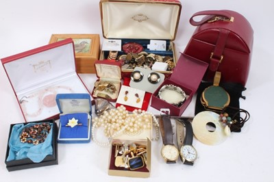 Lot 85 - Quantity of vintage and modern costume jewellery and bijouterie