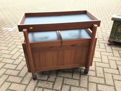 Lot 69 - Mid century teak drinks trolley with removable tray top, two pull out slides enclosing bottle holders 80cm wide x 50cm deep x 73cm high