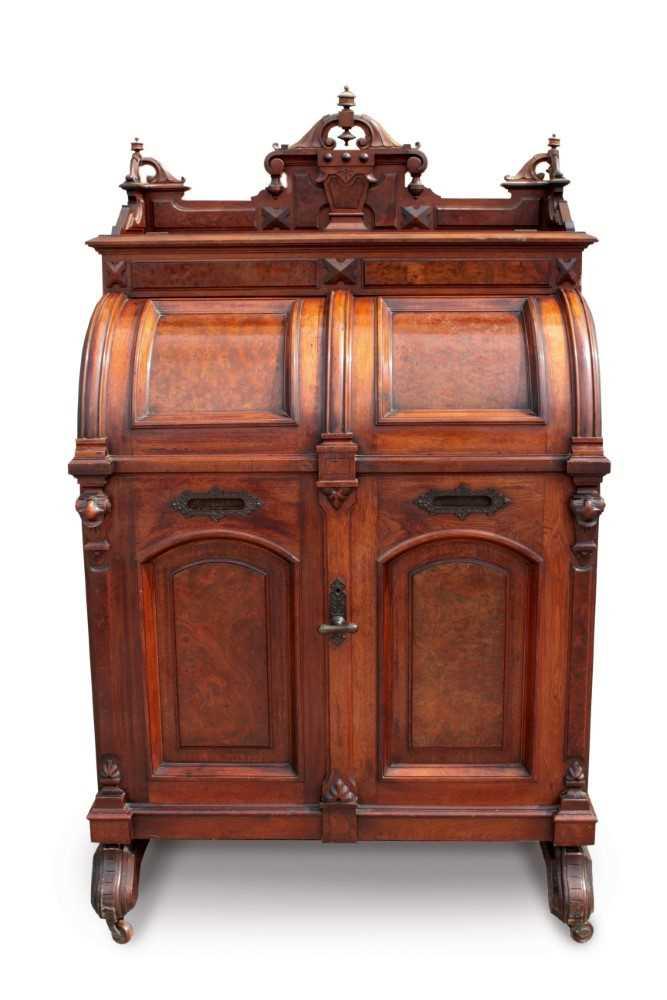 Lot 1516 - An impressive American Wootton Desk Co. 'Wells Fargo' desk