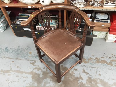 Lot 871 - Early 19th century elm Corner chair with drop in seat