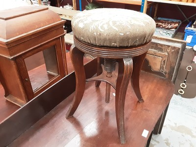 Lot 901 - 19th century mahogany adjustable piano stool