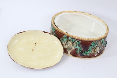 Lot 36 - Victorian Wedgwood game dish with liner