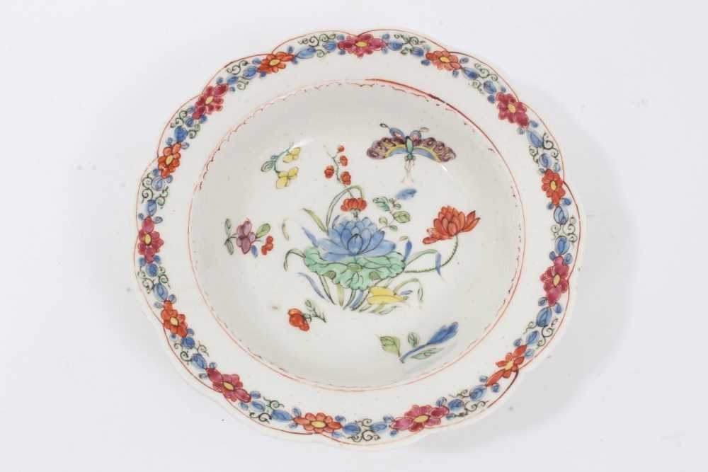Lot 88 - Rare early Bow finger bowl stand, circa 1750-52, painted in the Chinese famille verte palette, 14.75cm diameter