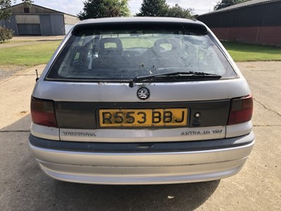 Lot 9 - 1998 Vauxhall Astra 1.6 Arctic 16V Automatic, 5 door hatchback, Reg. No. R553 BBJ, finished in silver with grey cloth interior, 33,784 miles, MOT until 21st January 2022, supplied with keys, V5 and...